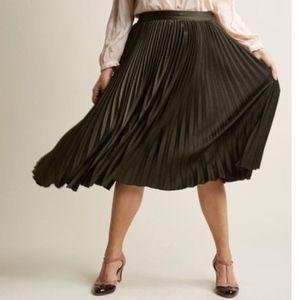 ModCloth Polished Pleated Midi Skirt Black 1X